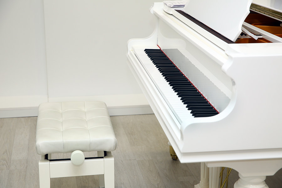 piano and its chair
